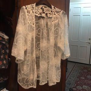 Very J cream lace kimono top